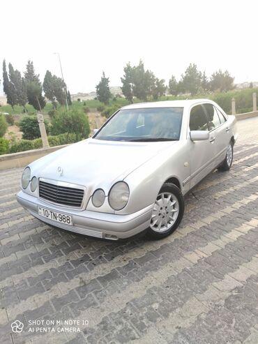 Mercedes-Benz 230 2.3 l. 1995 | 300000 km