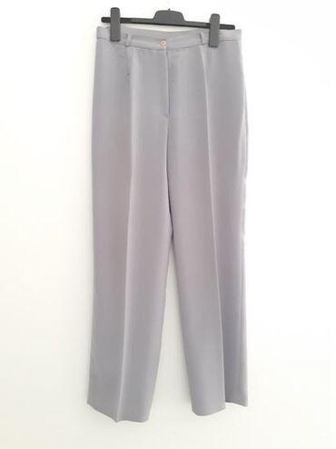 Zenske pantalone crne - Srbija: Lepe sive pantalone na crtu za zene Velicina 42 Pitajte za dodatne