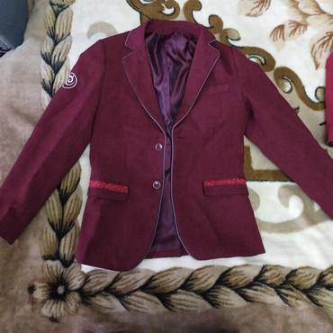 Пиджак школьный - Кыргызстан: Продаю пиджак на мальчикаКачество хорошее, состояние отличное,почти
