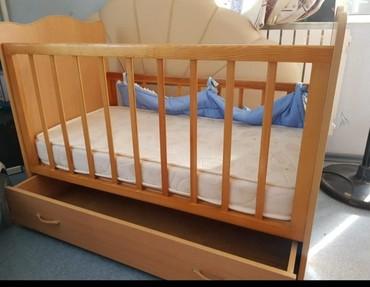 Продаю детскую кроватку СРОЧНО  с  люлькой и  ящиком под вещи в Бишкек