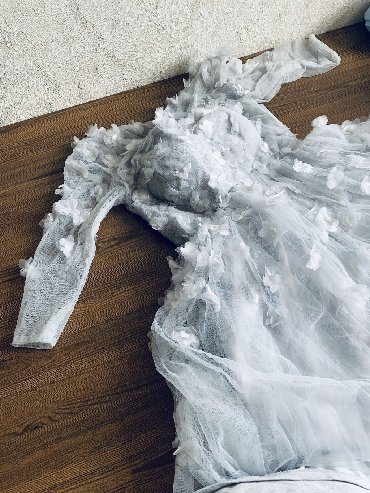 платье вышиванка на выпускной в Кыргызстан: Вечернее платье ! Одевалось 1 раз на фотосессию на 20 минут. Размер: x