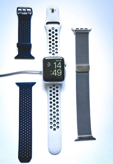 Apple Watch 3 Nike+ GPS, 42mm Silver Aluminium Case with Pure в Бишкек