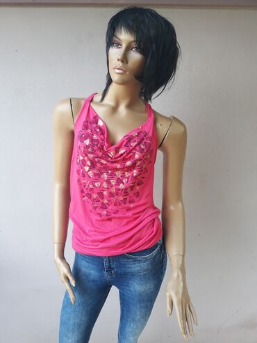 Personalni proizvodi | Prokuplje: H&M nova majicaVeličina M sa elastinom Veliki izbor markirane