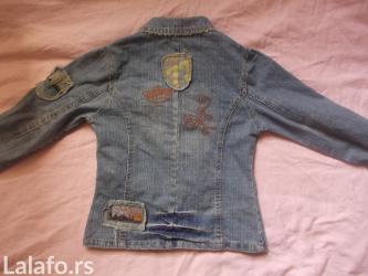 Vrlo lepa, moderna i kvalitetna jaknica vel 10. pogledajte i ostale - Prokuplje
