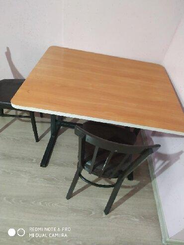 стол и стулья для гостиной в Кыргызстан: Стол рабочий 2500 сом.  Стулья имеется 13 шт.   Каждый по 800 сом.  О