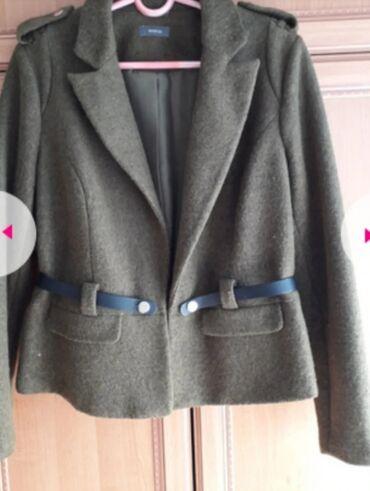 Kvalitetna jakna od štofa, brenda C&A, vel 46,kao nova, jednom
