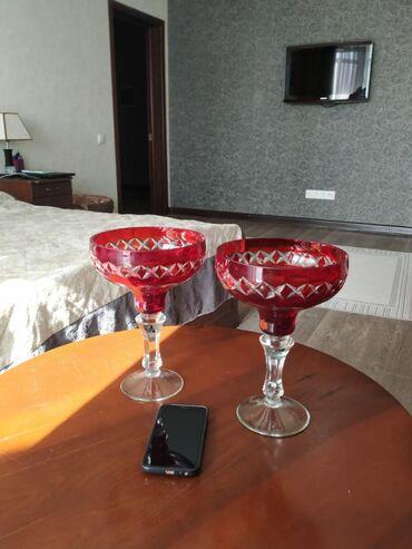 Антикварные вазы - Кыргызстан: В связи с переездом, продаю антикварные хрустальные вазы. А также