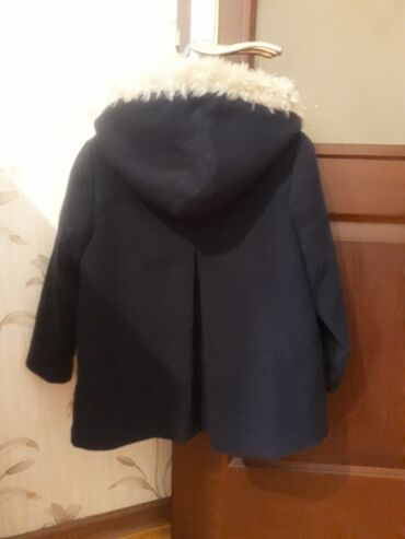 uşaq paltosu - Azərbaycan: Koton firmasının qız üçün uşaq paltosu və kurtkası satılır. Palto və