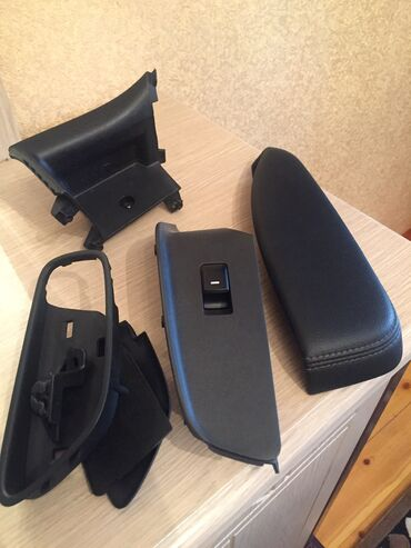 Kia Cerato 2013 arxa sag qapi aksesuarlari satilir tezedi ve qiymetler