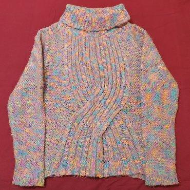 В идеальном состоянии. Размер М. Теплый зимний свитер