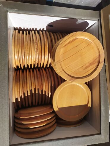 Продам деревянные тарелки, диаметр 26.5см, материал БУК. Есть