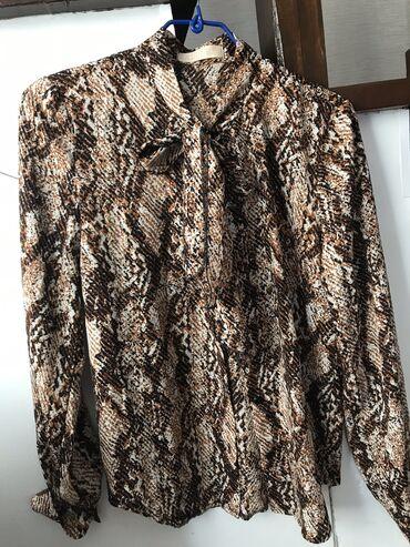 Личные вещи - Каракол: Новые шикарные блузки,размер 42,s,отдам 2 блузки за 500