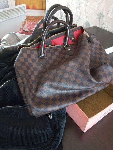 Рюкзак замшии оригинал lv по 400 каждая без торг