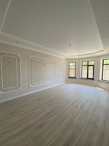 Продам Дом 240 кв. м, 5 комнат