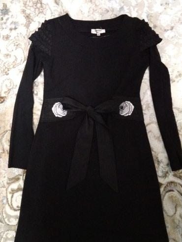 черное вышитое платье в Кыргызстан: Продаю красивое платье,рост 140,рукава сеточка и сзади красивый