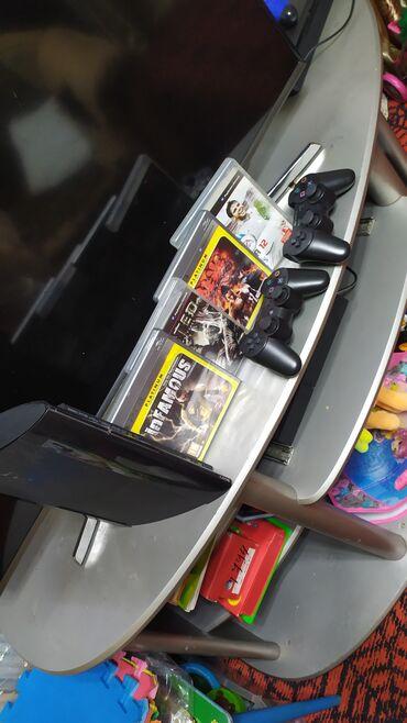 Электроника - Кыргызстан: Продаю Playstation 3 super slim, два джойстика все шнуры 4 игры н
