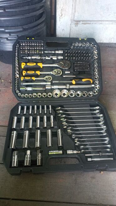 Срочно продаю Набор ключей Германия 216-предметов