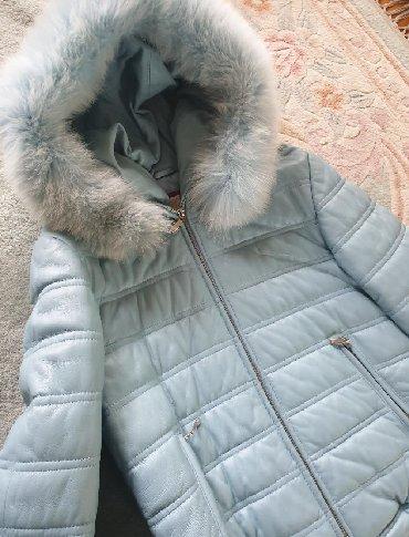 Kozna jakna sa krznom - Srbija: Zimska kozna jakna, debela, postavljena. Prava koza i krzno. Kapuljaca