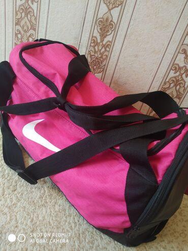 Новая спортивная сумка, фирма Найк, оригинал, большая