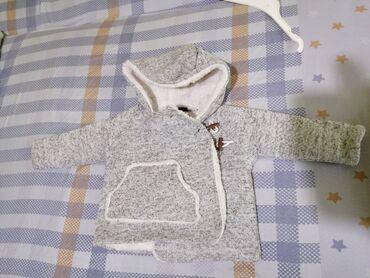 Zimske-kape-o - Srbija: Zimska jaknica 700 din Prolećna jaknica 700 din Stanje kao na slici, o