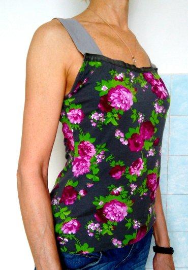 odejda в Кыргызстан: Продам трикотажную майку с красивыми цветами. размер: 46, l-xl. майка
