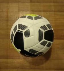 Futbol topu:0 sezon 14(Ingiltərə liqası) topu.5 nömrə(Tikişsiz,lazer