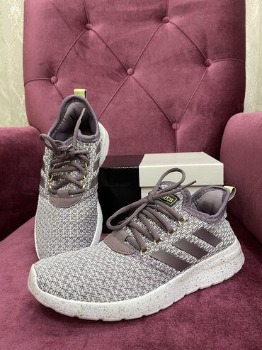 чек в Кыргызстан: Продаю женские кроссовки от Adidas Оригинал Новая ни разу не одевали