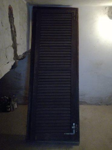 Prodajem polovnu drvenu stolariju. Dvoje jednokrilnih balkonskih vrata - Beograd