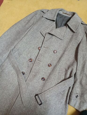 Пальто мужское очень теплое и стильное,размер 54, состояние идеальное
