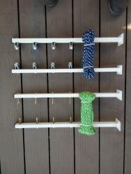 Сушилки - Кыргызстан: Сушилка для белья на балкон или под окна роликовая,на петлях и