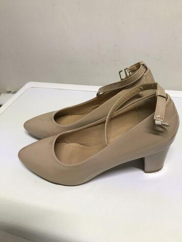 Продаю туфли новые размер 38.отдам за 1000