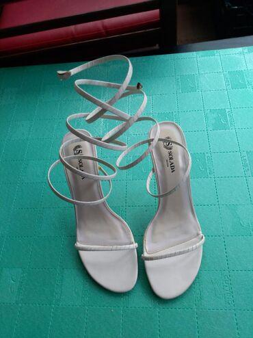 Zenske elegantne sandale na stiklubroj 40. Potpuno nove
