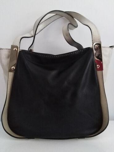 Mona torba - Srbija: COCCINELLE original kožna torba,prelep model kombinacija crne i