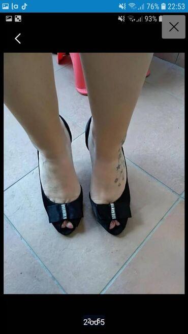 Giorgio-majica - Srbija: Sandale broj 38, udobne nemaju ostecenja u dobrom stanju, samo flekice
