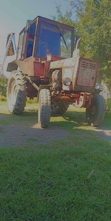 Yük və kənd təsərrüfatı nəqliyyatı Balakənda: Hec bir problemi yoxdur çox eknomiçsq traktordur ot bicen kasilkayla