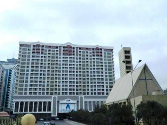 теплая верхняя одежда в Азербайджан: Сдается квартира: 2 комнаты, 110 кв. м, Баку