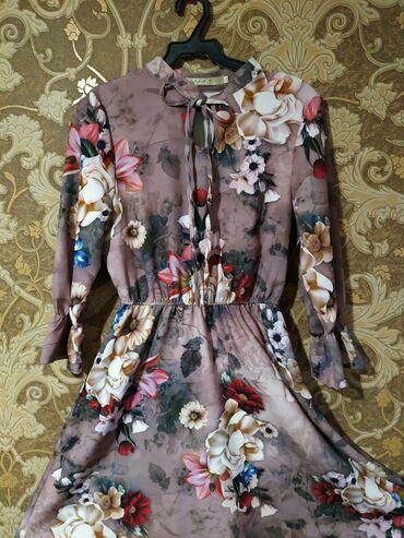 Платье выше колена  Надевали всего 1 раз  Цена: 700 сом