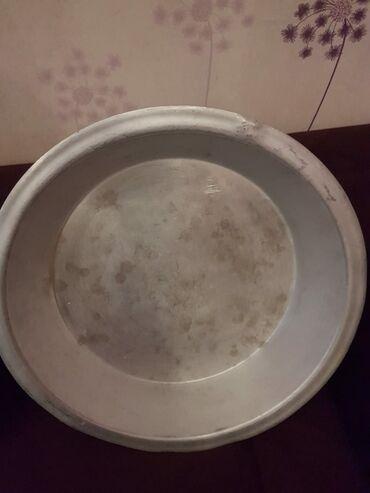 bərbərxana tas - Azərbaycan: Aliminium tas tezedir.İşlenmeyib.cütü 40 man tek tek