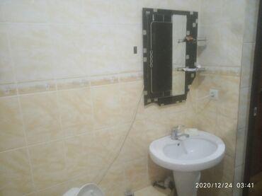 долгосрочно в Кыргызстан: В элитном доме в двух комнатном кв сдается одна комната в втором