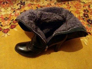 продаю зимние сапоги 37-38 размера. кожа-лак, мех натуралка  в Бишкек