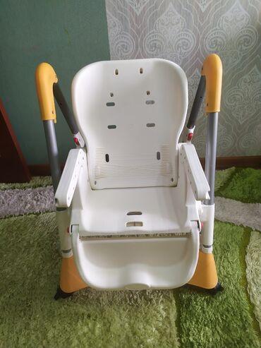 пвх пластик бишкек in Кыргызстан | ОКНА, ДВЕРИ, ВИТРАЖИ: Детский стол для кормления. Можно регулировать высоту. Складной. На ко