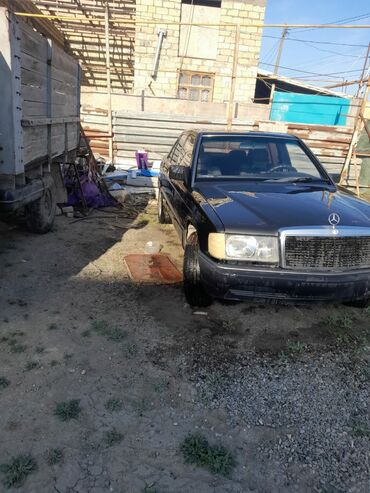Mercedes-Benz 190 2 l. 1989 | 25500 km