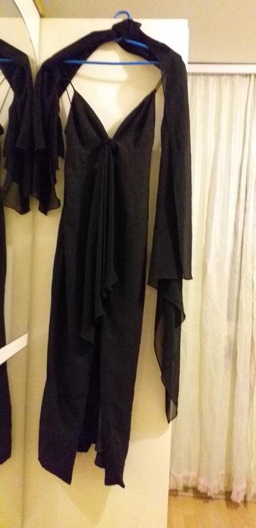 Haljine | Borca: Prodajem duga haljina sa velikim slic i velikom esarpa haljina je