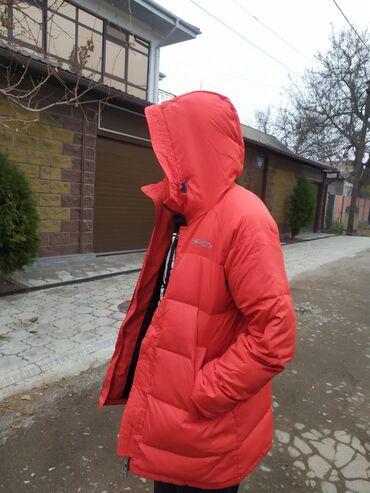 Корейская курткаб/у в отличном состоянии цвет караловая оригинал разм