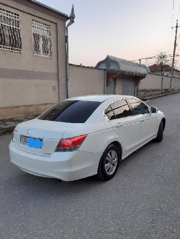 аренда хонда фит для такси в Азербайджан: Honda Accord 2009
