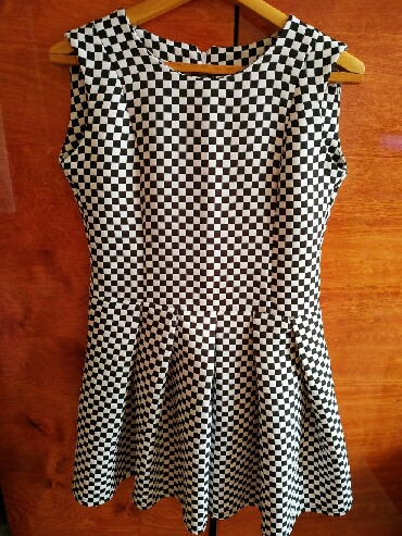 шерстяное платье в клетку в Кыргызстан: Распродажа. Платье в черно- белую или же наоборот клетку )) оно