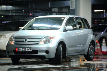 Toyota ist 1.3 л. 2003 | 200700 км