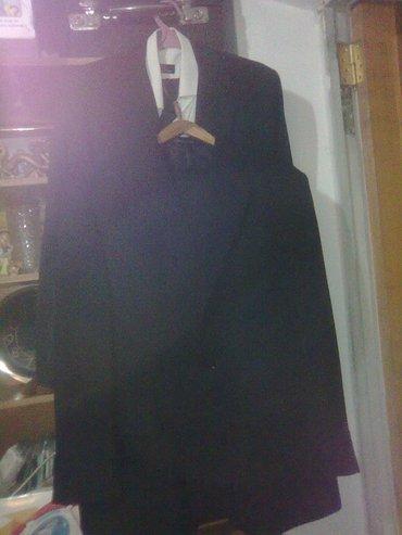 Продаю  два  мужских костюма  б/у , размер  50-52 и  52-54. Состояние в Бишкек