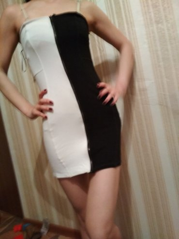 Классное трикотажное платье мини на замочке, идеальная посадка, S.ка в Бишкек