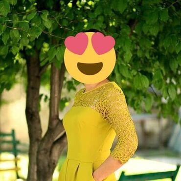 Платье очень красивое 46 р. б/у 500 сом